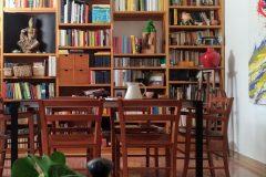 20-tavolo pranzo con libreria